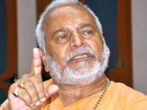 Swami Chinmayanand pics